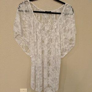 Flowey white lace blouse